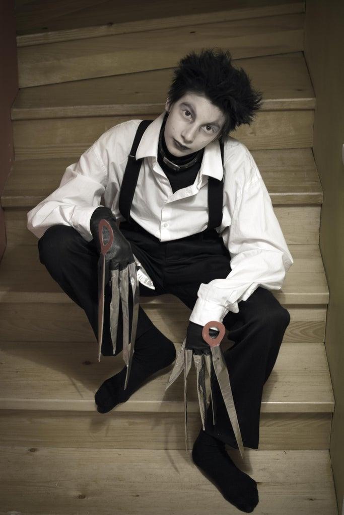 Edward Scissorhands Costume and Hand Prop