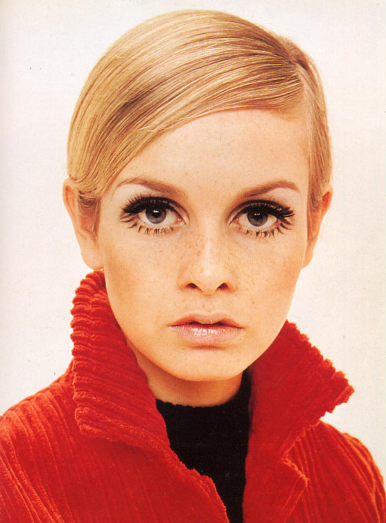Get Twiggy Eyes: A Makeup How-To