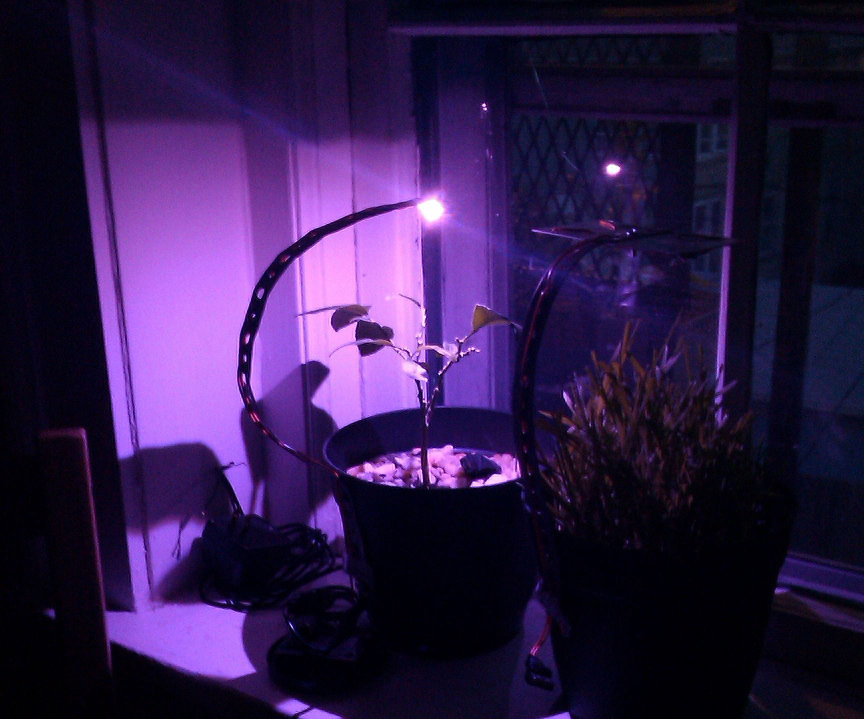 Solar Charge your LED grow lights
