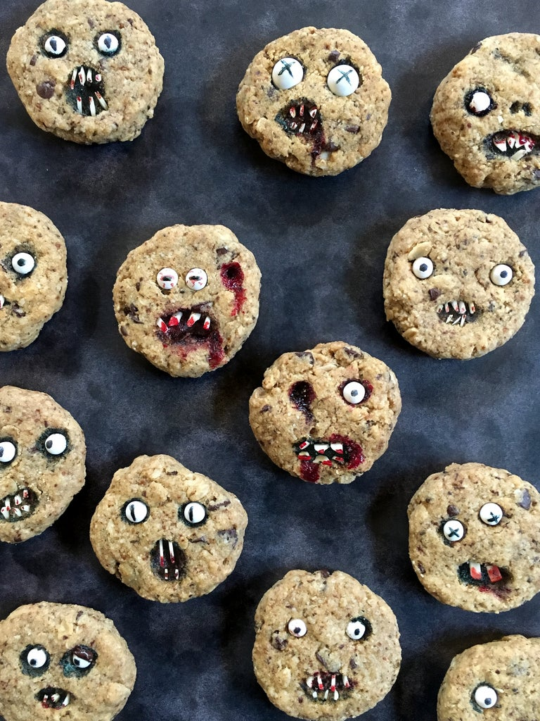 Decorate Cookies to Make Them Creepy!