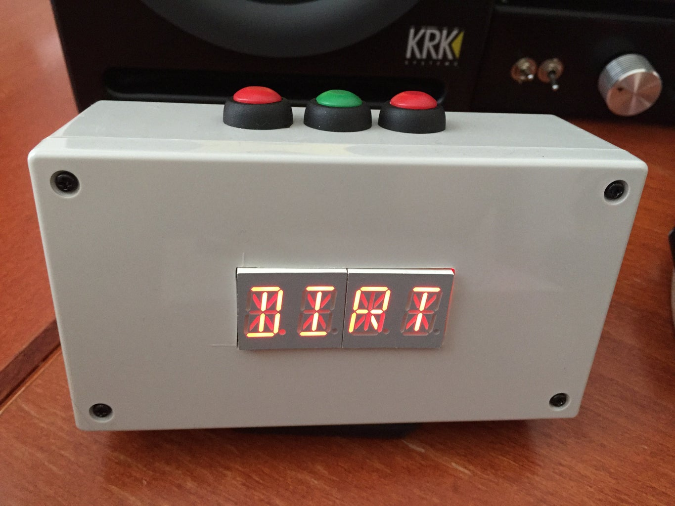 Four Letter Word Clock With Akafugu Word Generator and Inspirational Phrases