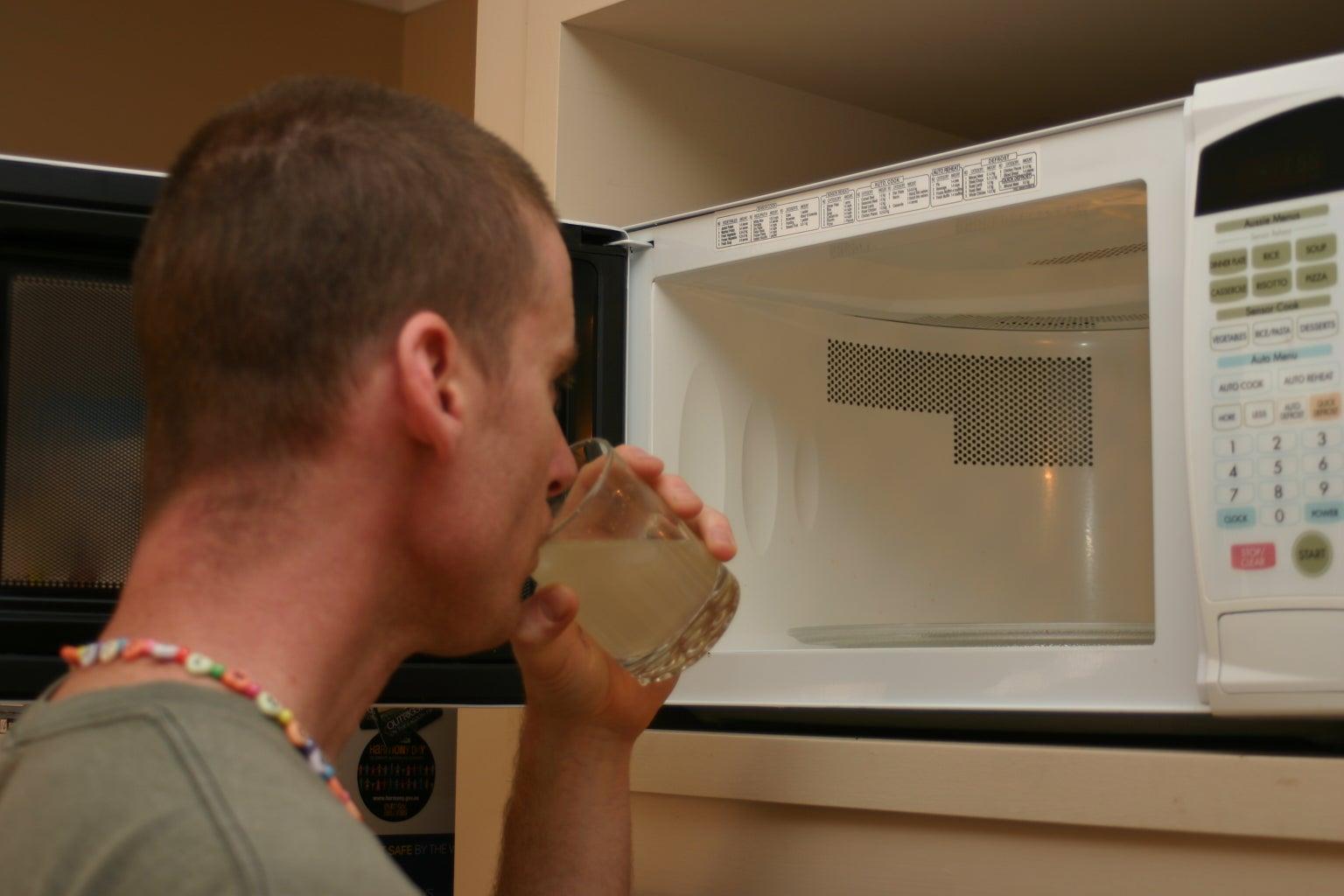 Enjoy Your Fresh Lemonade and Clean Microwave