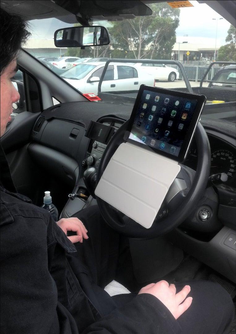 Using the Tablet Hooks
