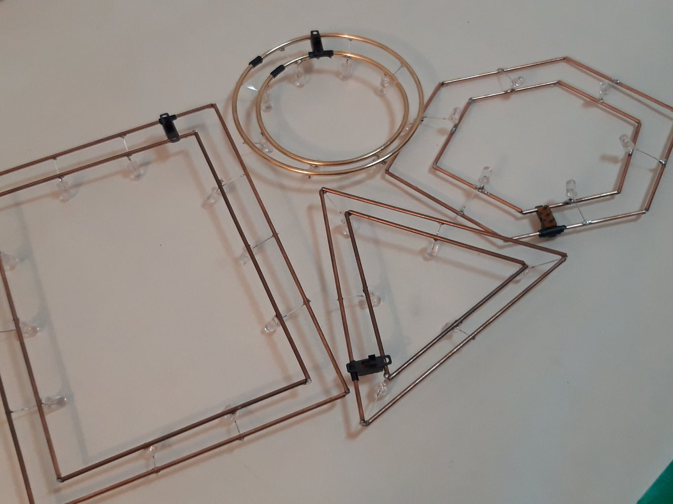 Mount the Magnetic Led Frame and Charge the Lipo Battery
