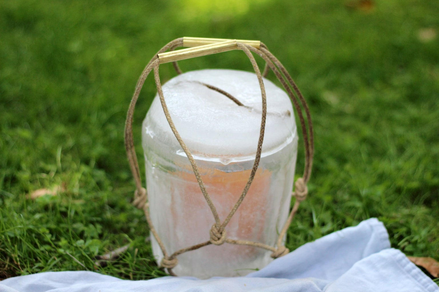 Mini Cooler Made of Ice