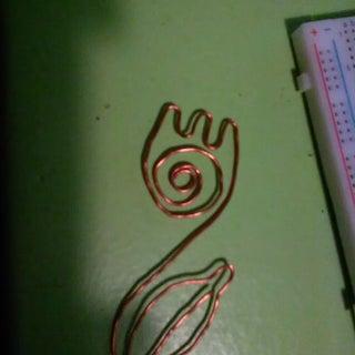 DIY Wire Tulip Bookmark