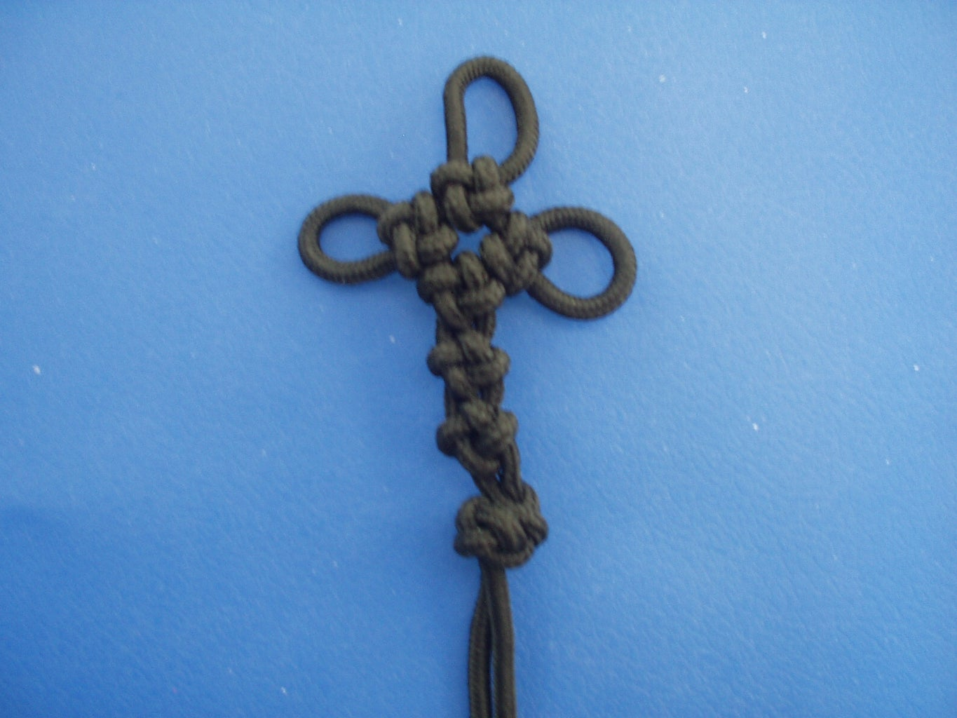 Chinese Crown Knot Cross