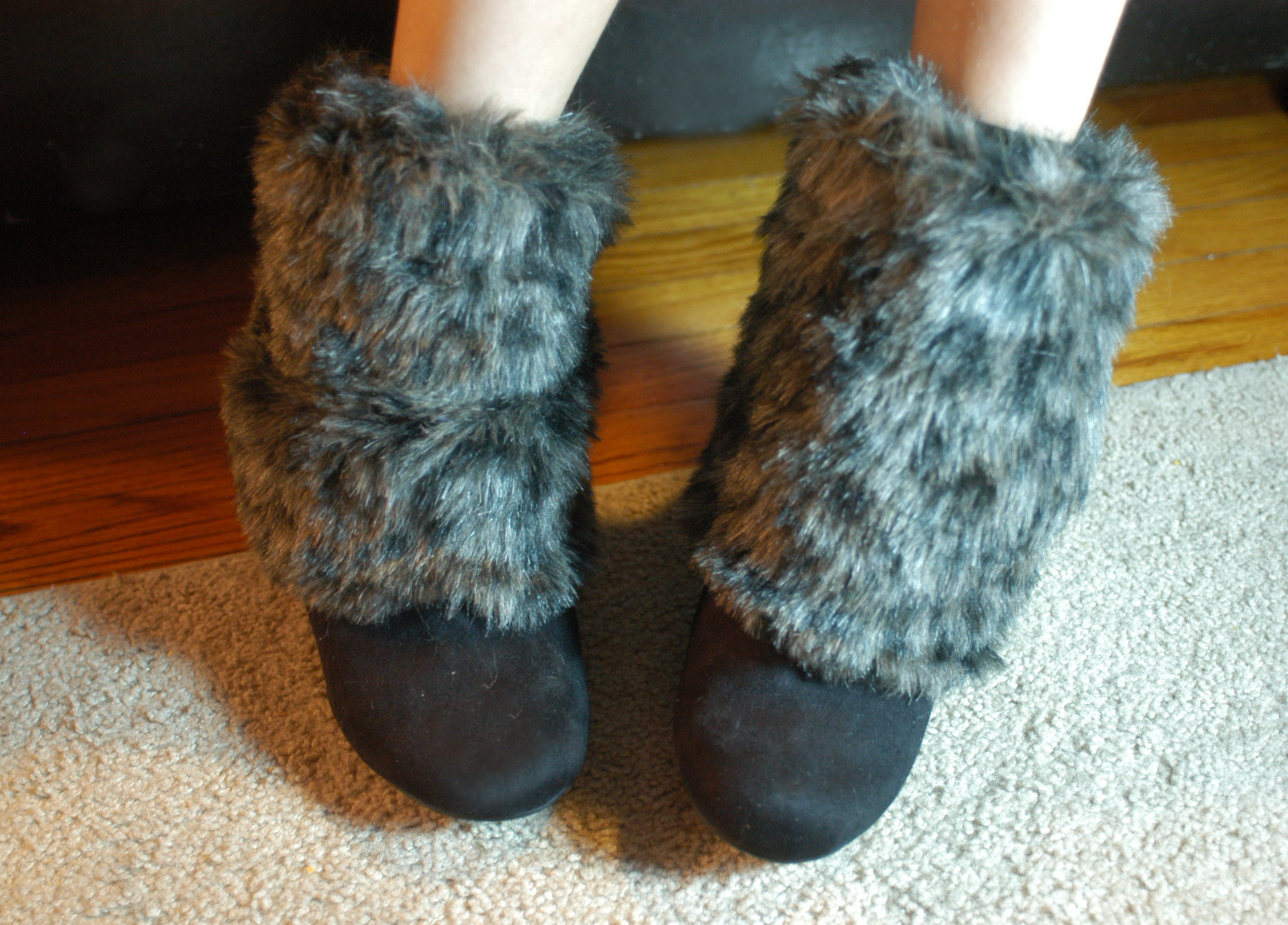 DIY Boot Toppers - Faux Fur Leg Warmers