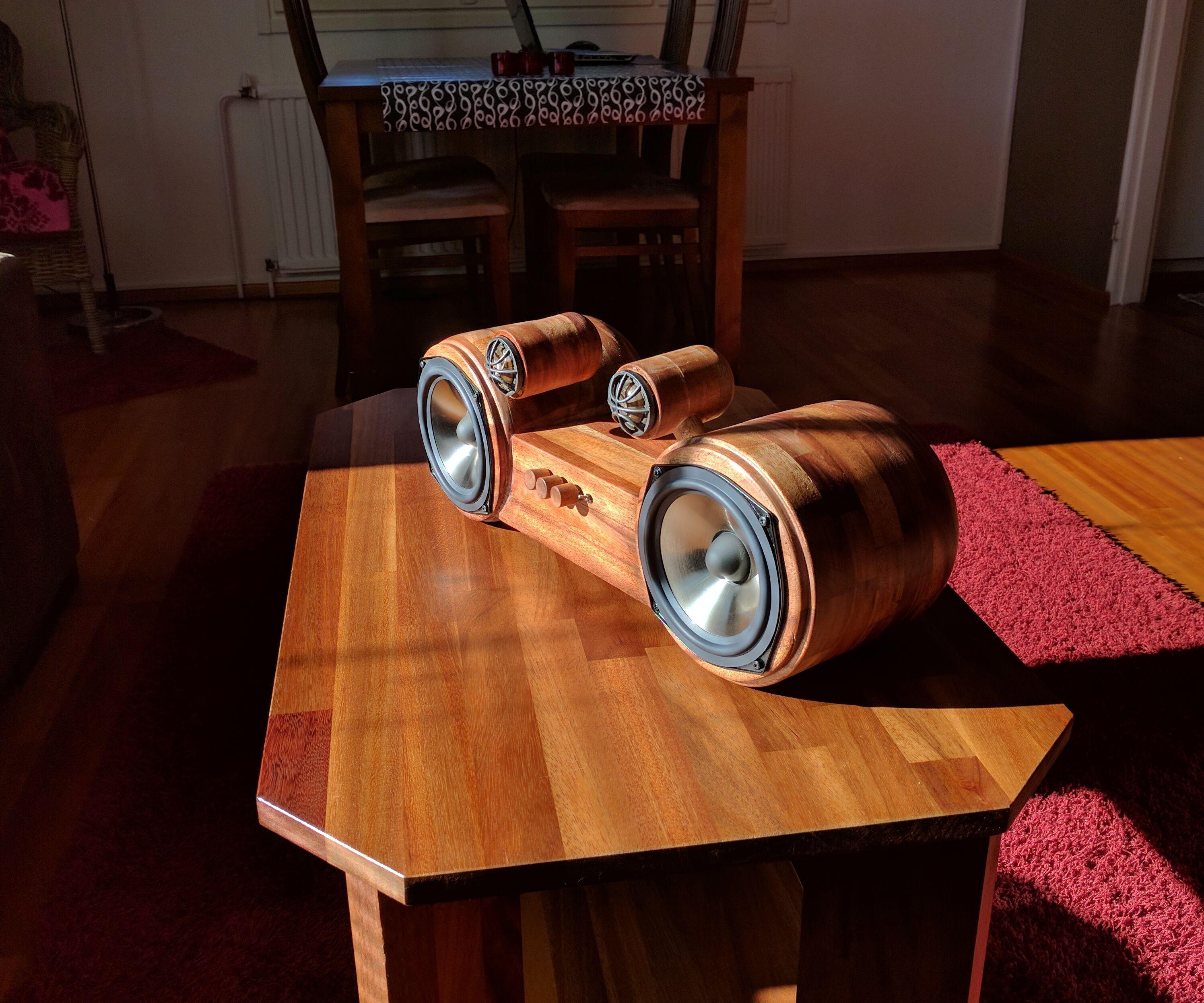 Roundy-speaker