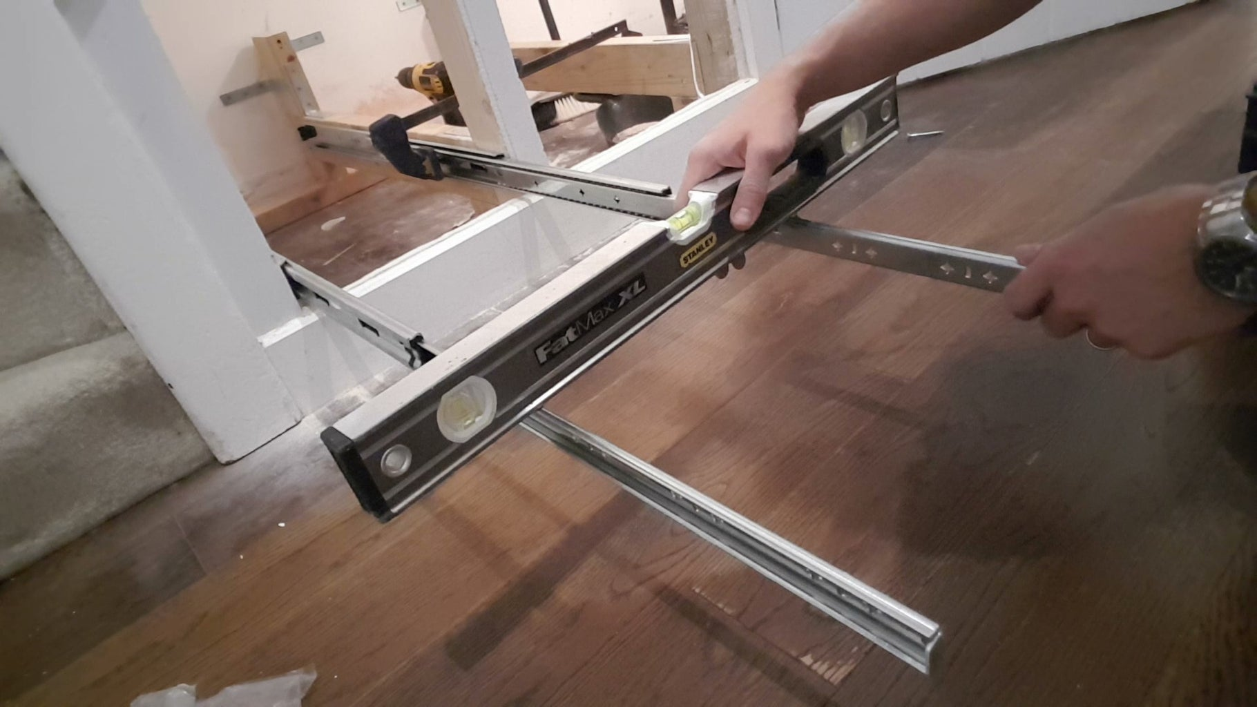 Installing the Drawer Runners