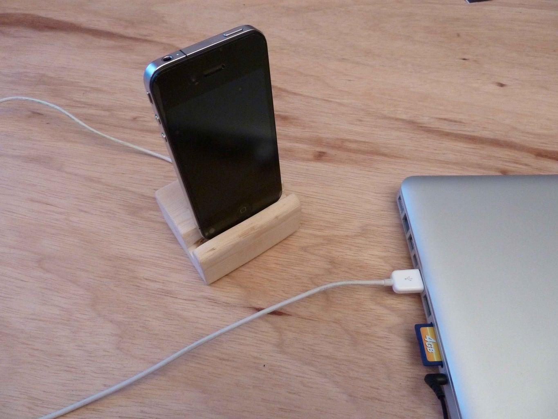 Wood Iphone Dock