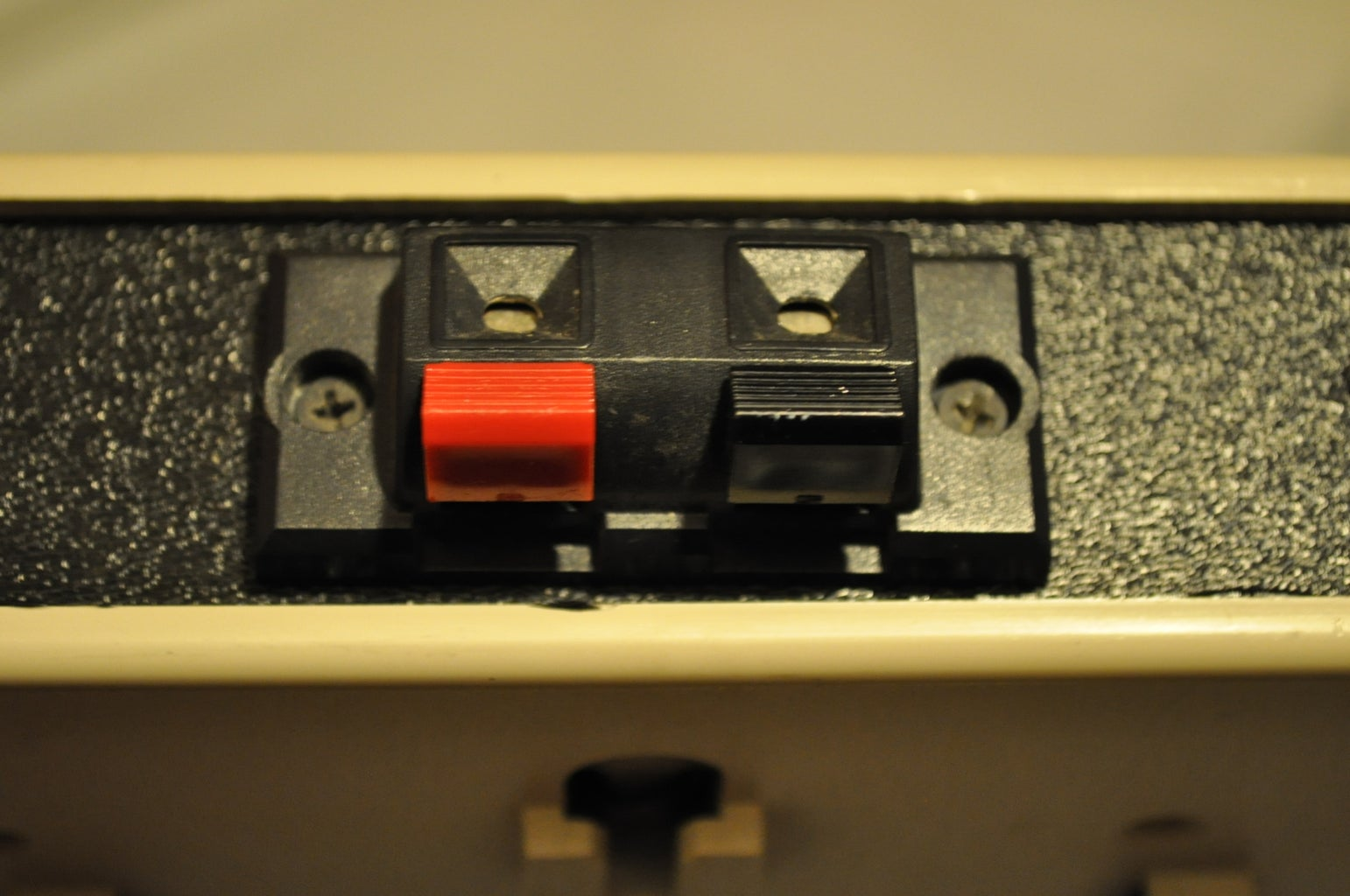 Wiring the Switch and the Speaker Jacks