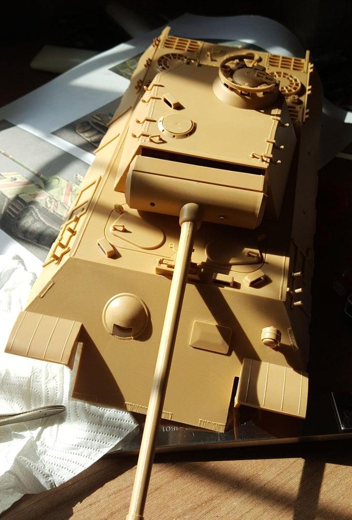 Assembly the Model Tank.