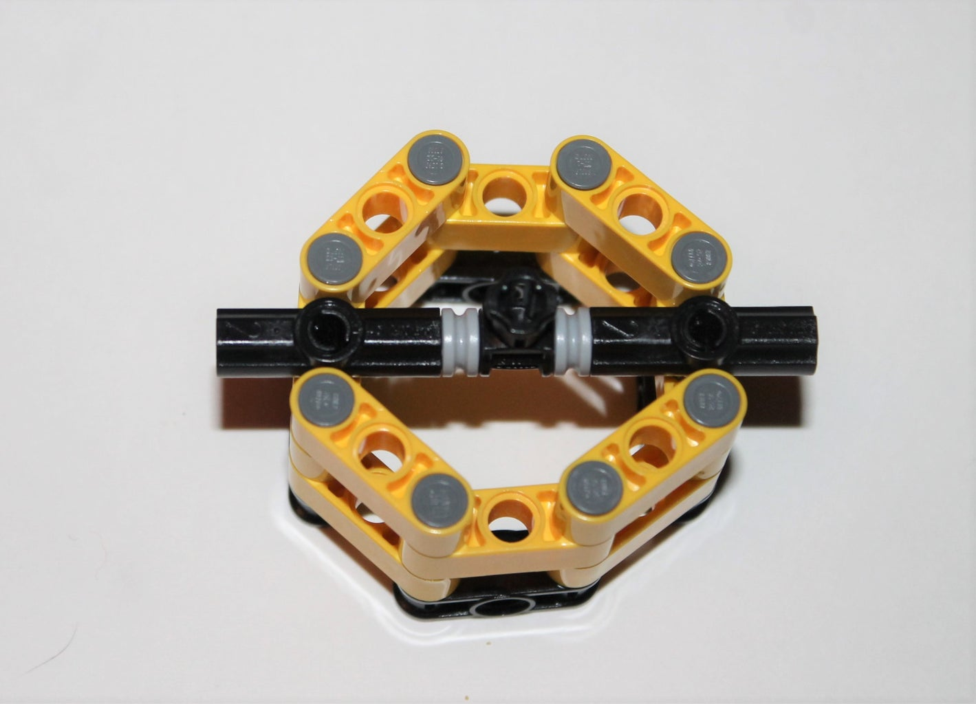 Attaching the Cross Connector