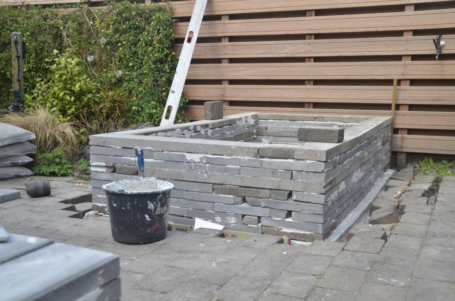 Step 3: Laying 'bricks'