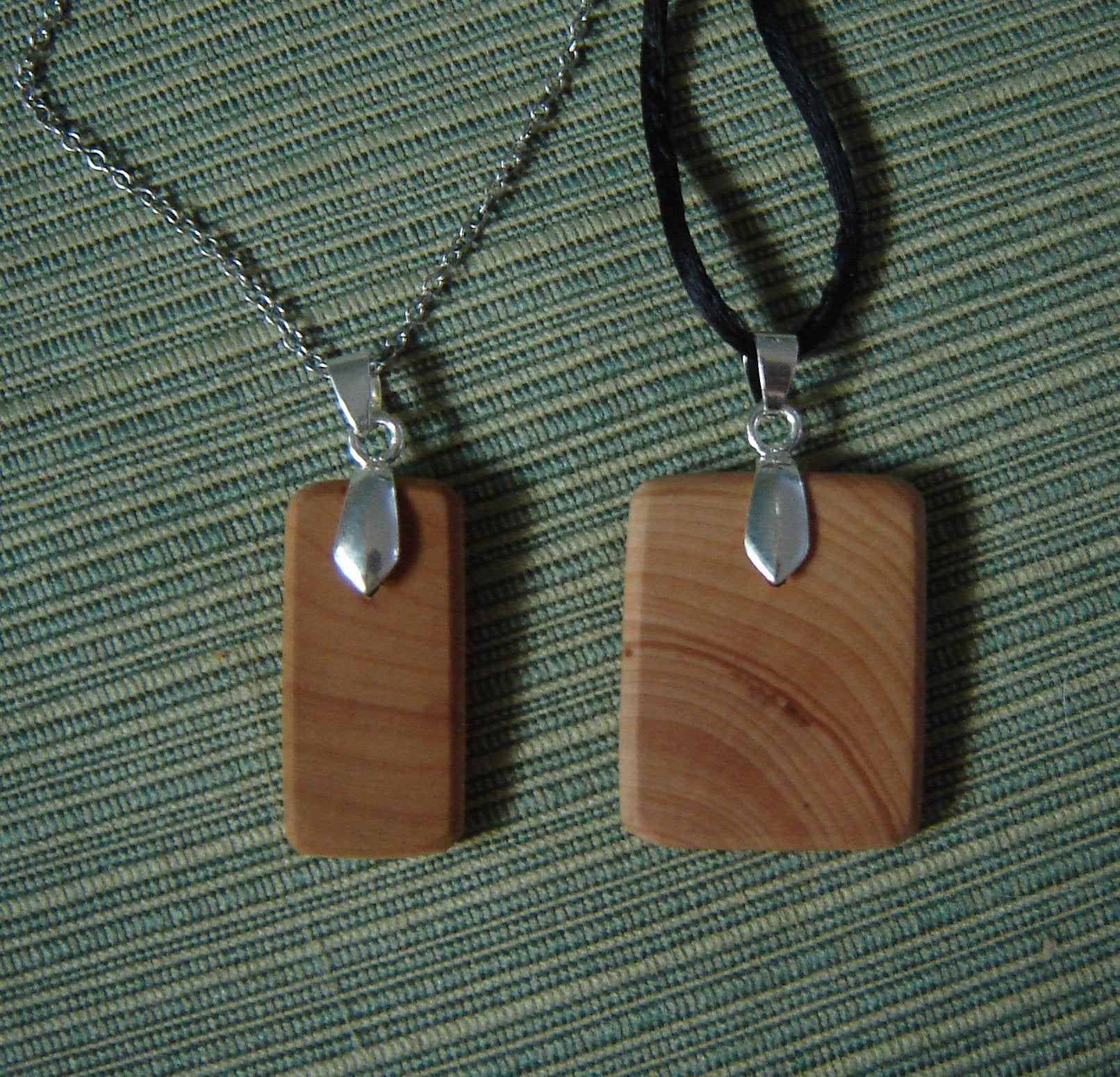 shell and wooden necklace Long necklace with horn