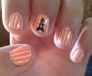 Eiffel Tower Nails (Stripes)