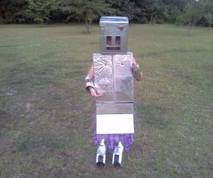 Lucy's Retro Robot Costume...Made With Household Items!