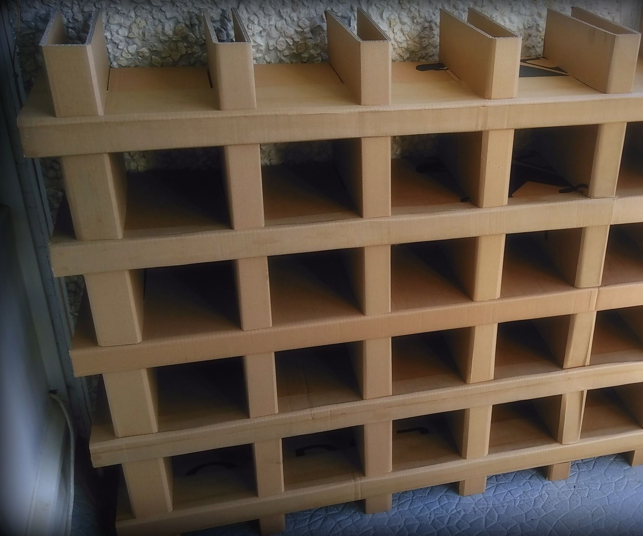Carboard Shelving Without Screw Nor Glue...