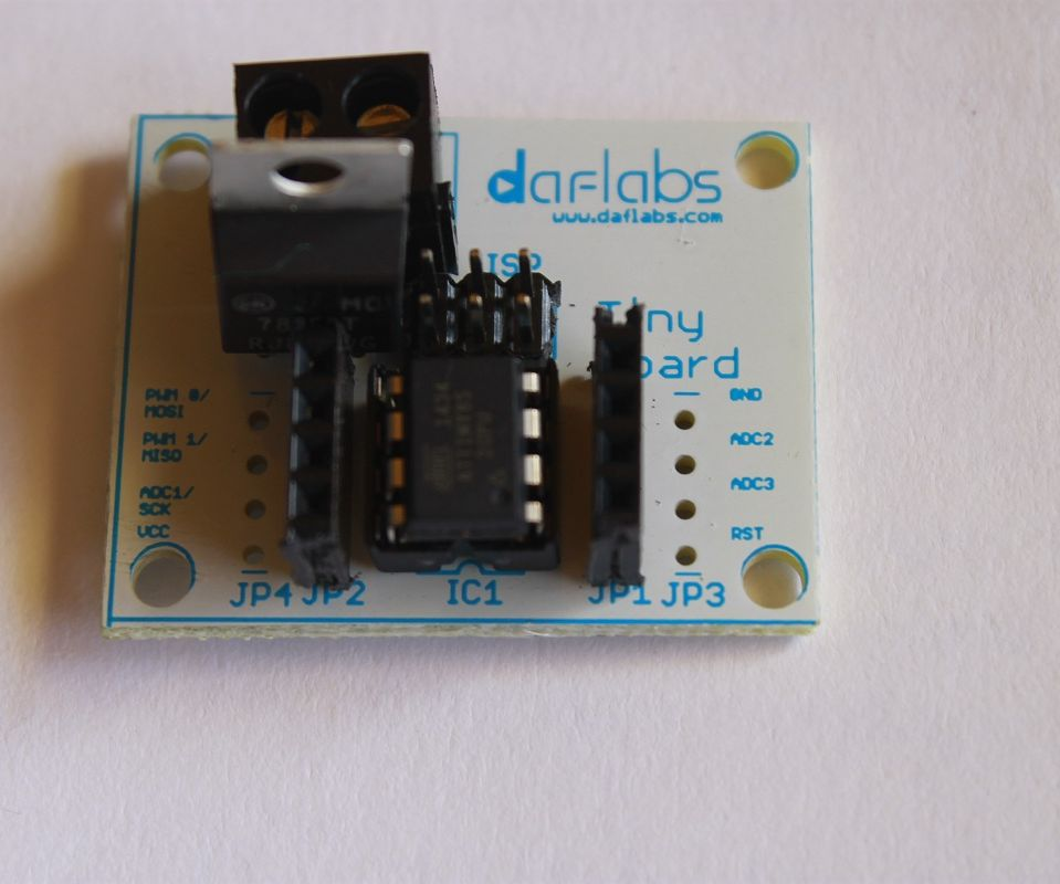 Programming the TinyBoard - ATTiny85 Development board