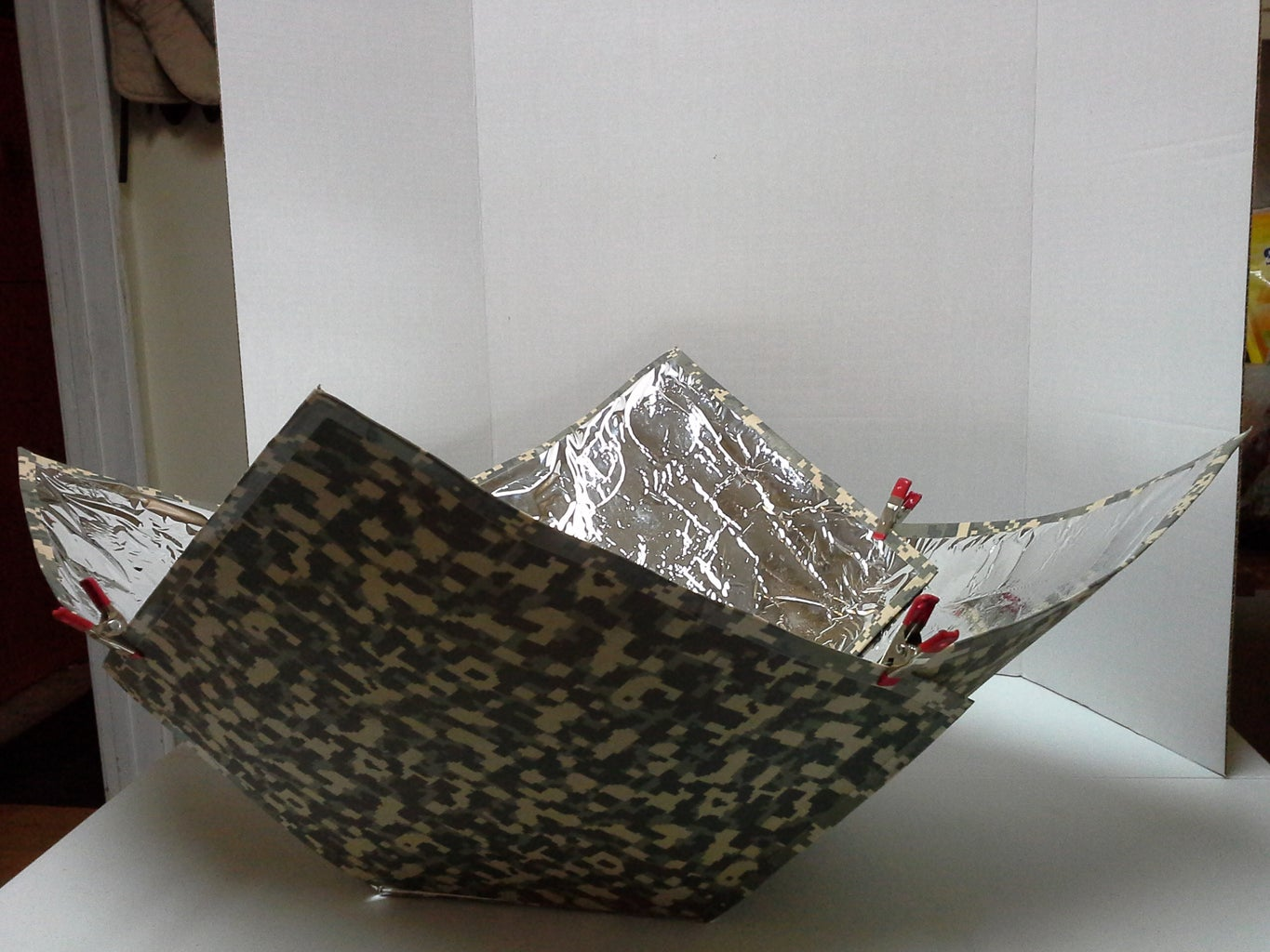 Camouflage Solar Cooker