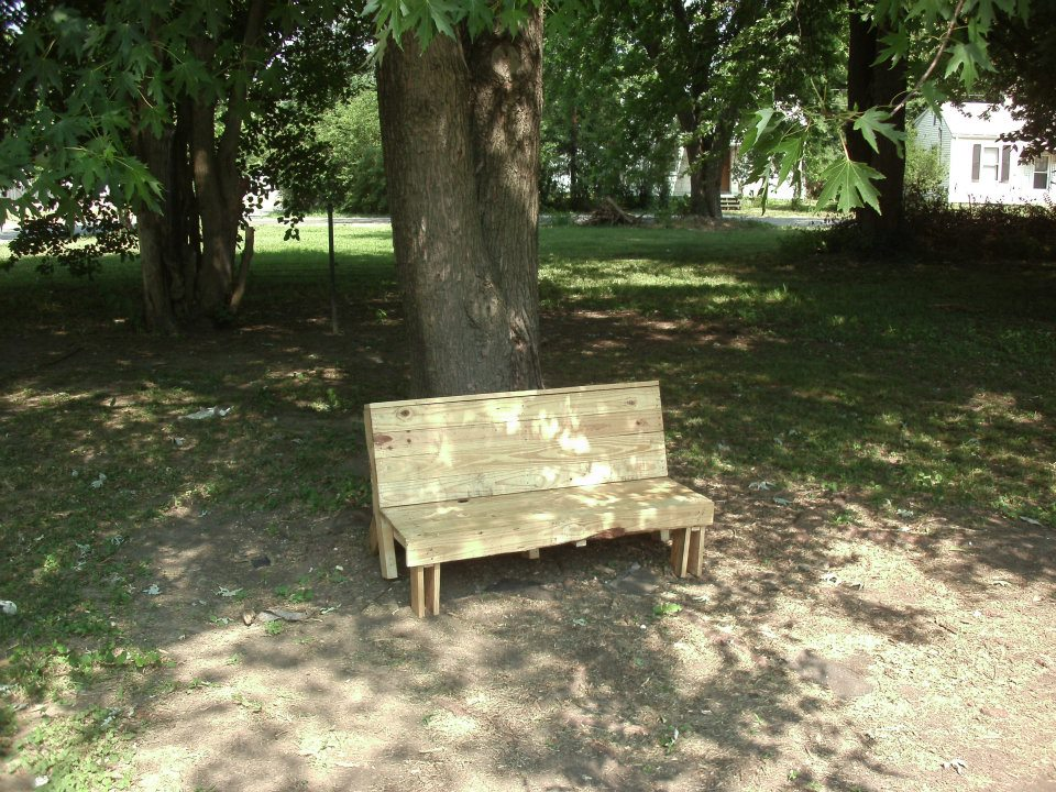 Recycle Pallet Bench