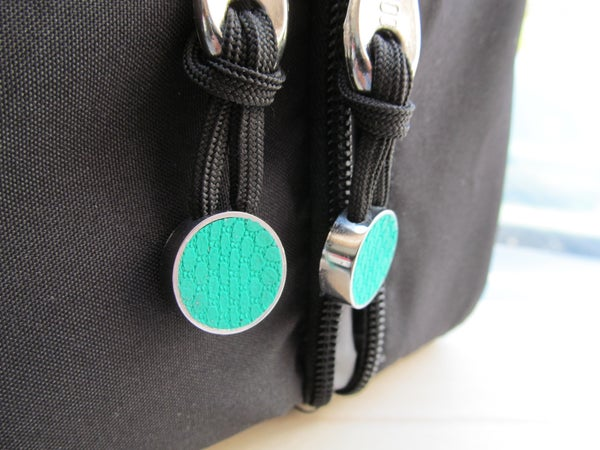Sugru Paracord Zipper Pulls