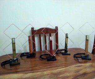 各种各样的室内天线,由铜和木材制成,用于接收UHF频段的HDTV通道(通道14-51)