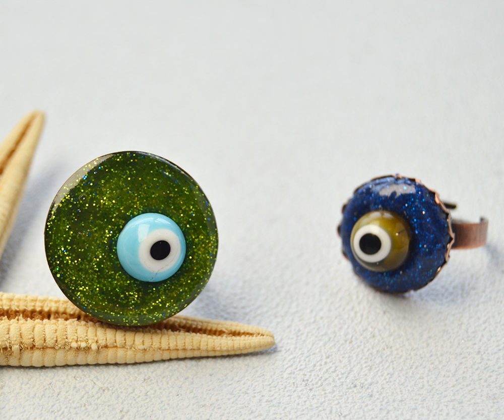 Easy Halloween Jewelry Crafts for Kids: Evil Eye Ball Ring