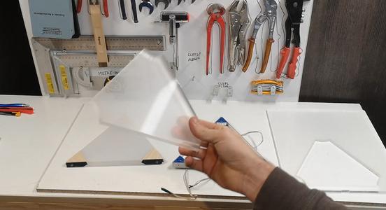 ATTENTION MODIFICATION Découper Les Plaques De Plexiglass À Point / Cut the Plexiglass Plates to Point