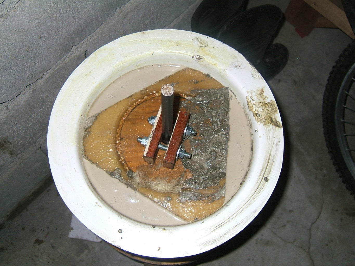 Pour Concrete Into Rotor Mold and Let Set