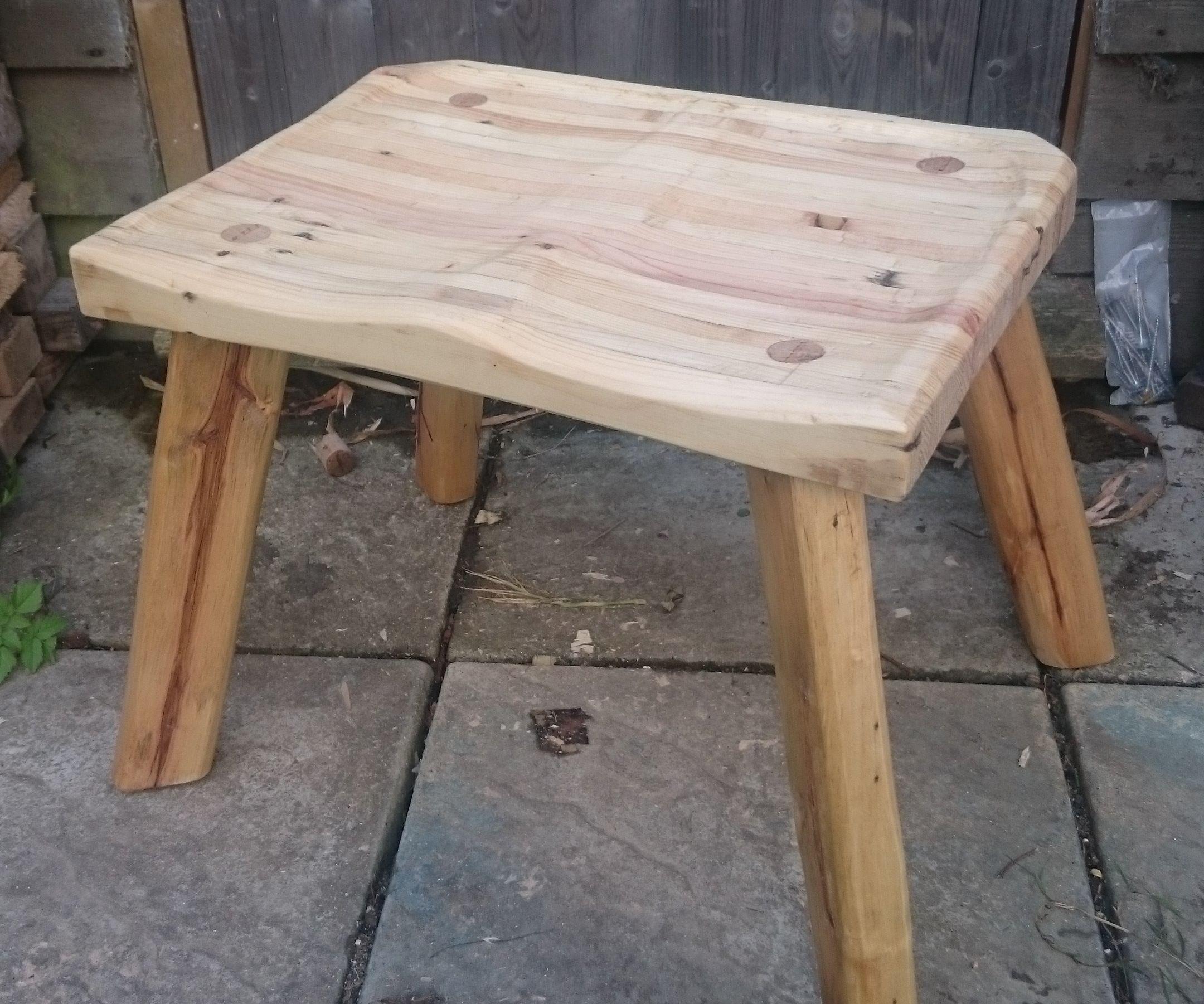 100% Pallet wood stool