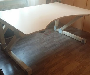 A Desk With the Magic of 3D Printing
