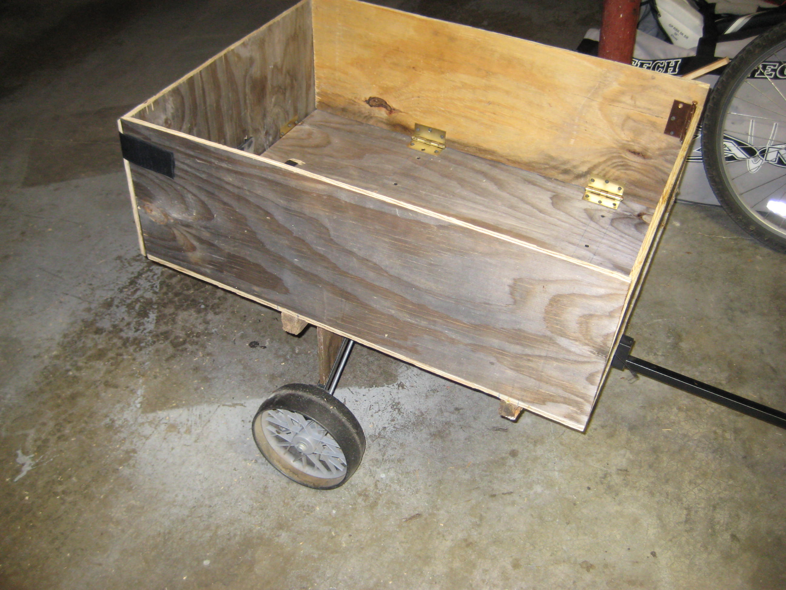 Yard Cart (Wagon) for Hand or Tractor Use from Golf Cart.