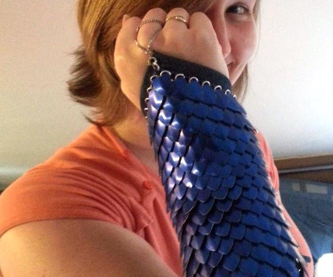 Scale mail arm bracer
