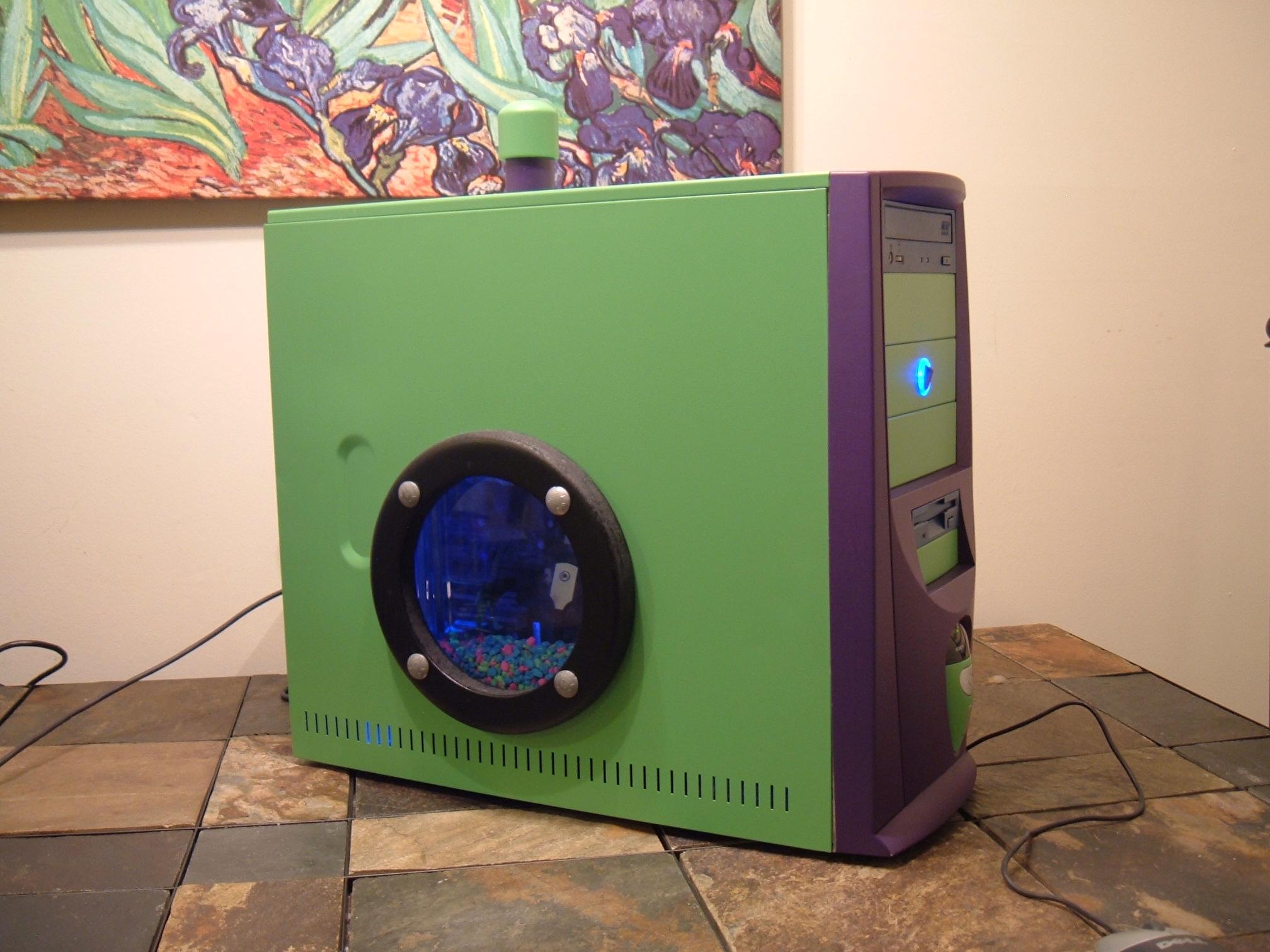 """Turn your Dead PC into an Aquarium"""