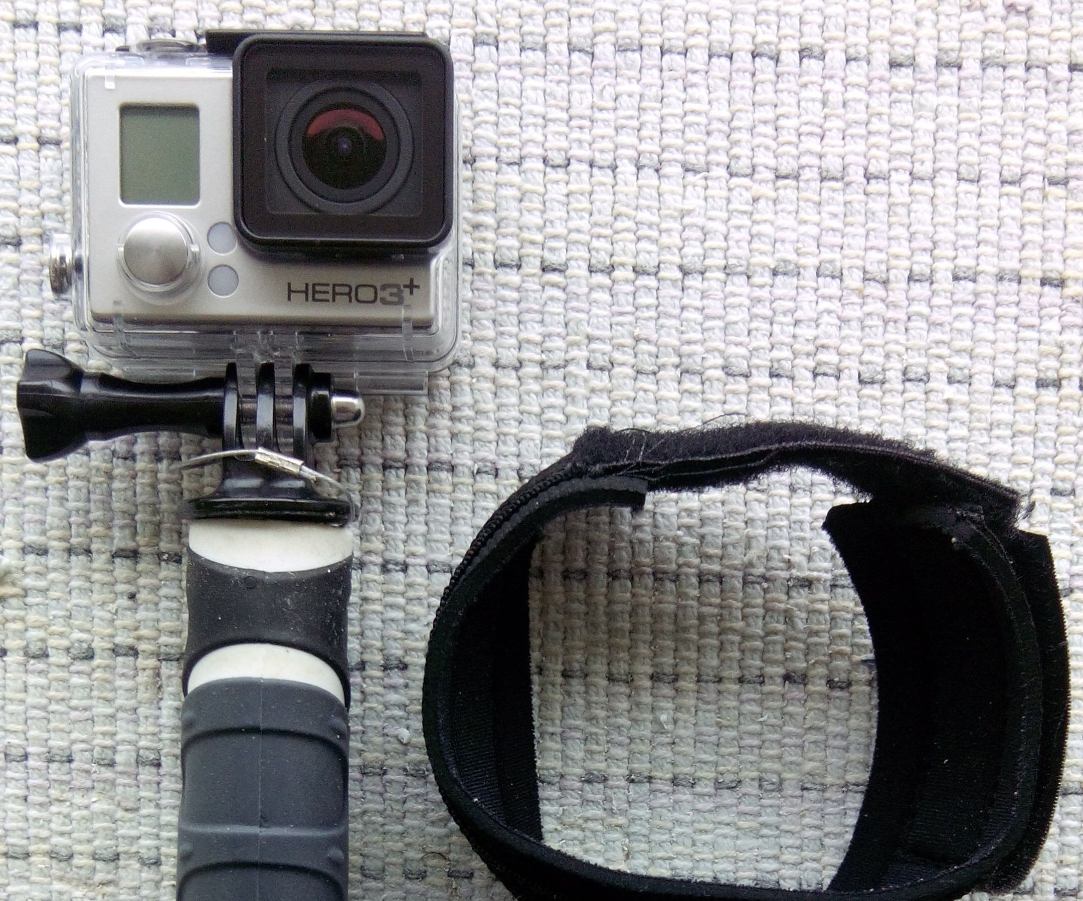 Easy and pro looking GoPro handle