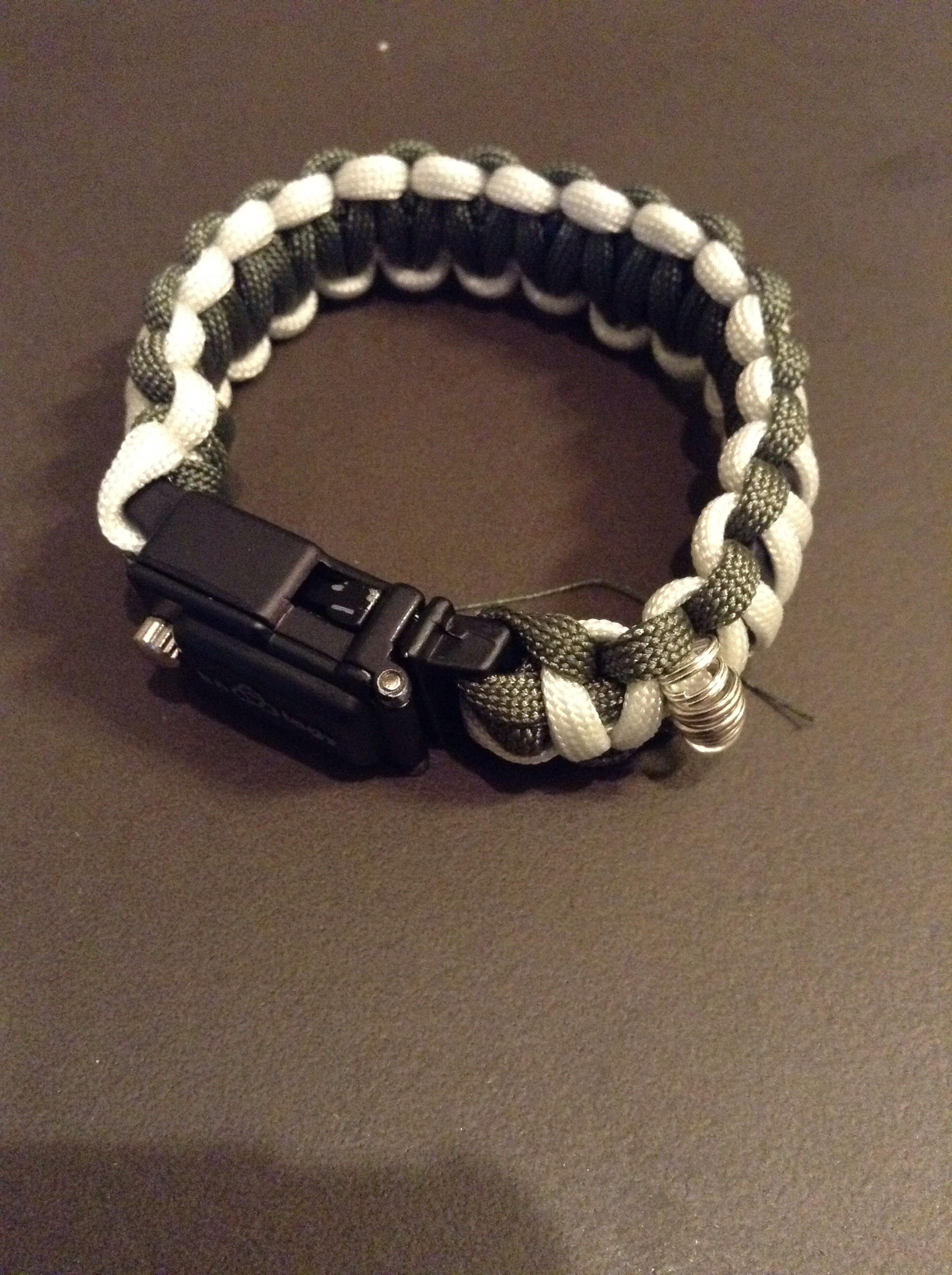 Paracord Fishing Bracelet