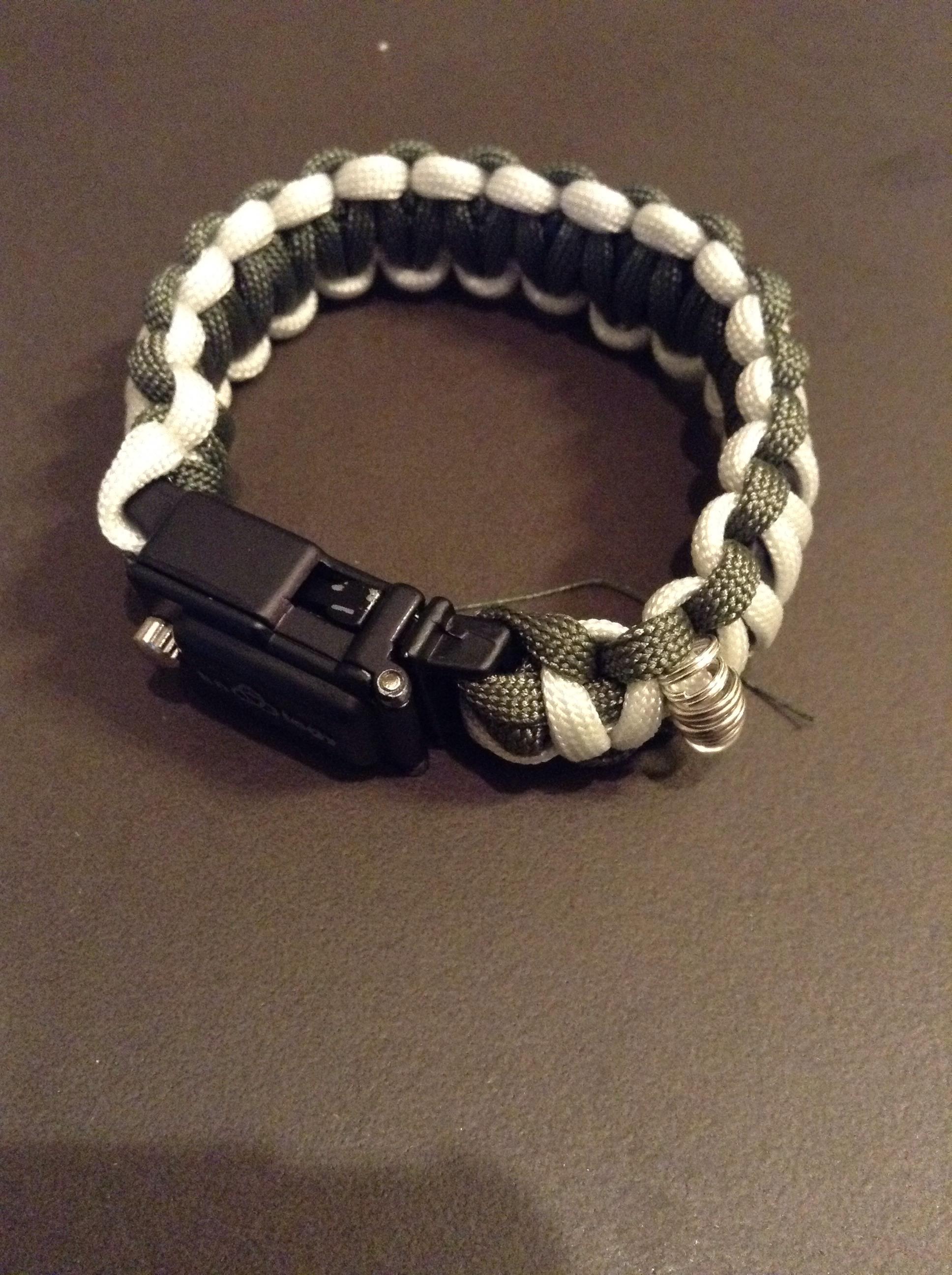 Paracord Fishing Bracelet