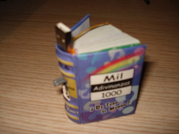 Mini-Book USB Flash Drive (Retractable)