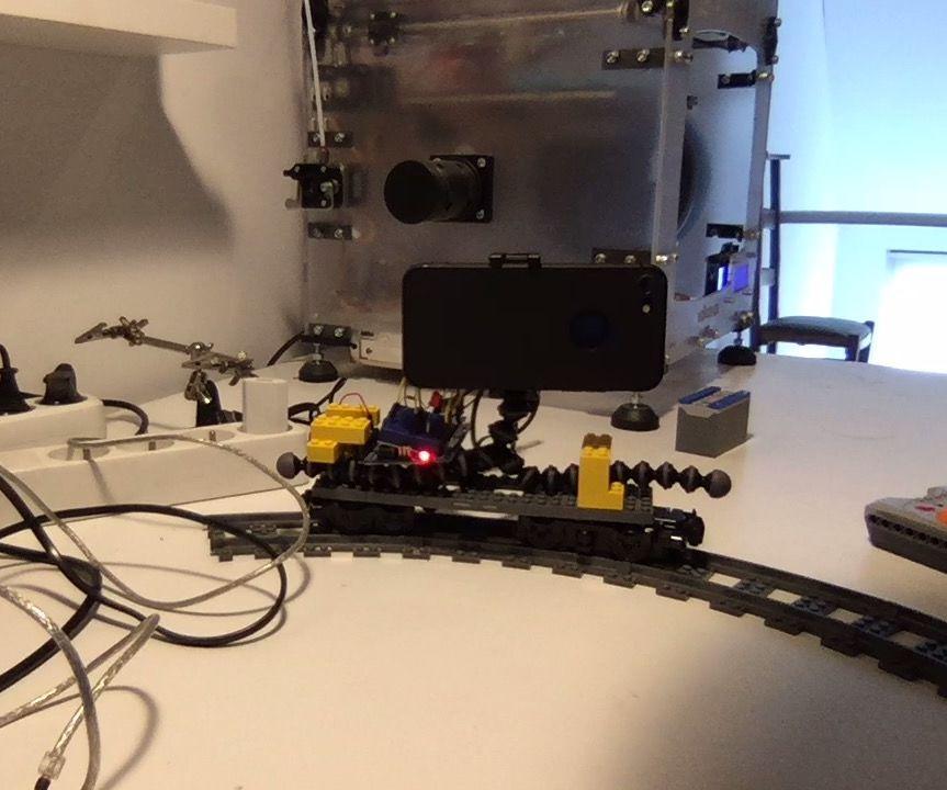Basic Stopmotion Camera Dolly Based on Lego Train