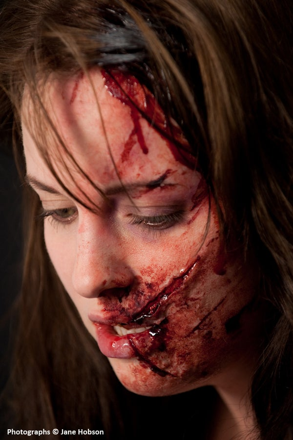 Using Silicone-based Pastes to Create Quick Makeup FX