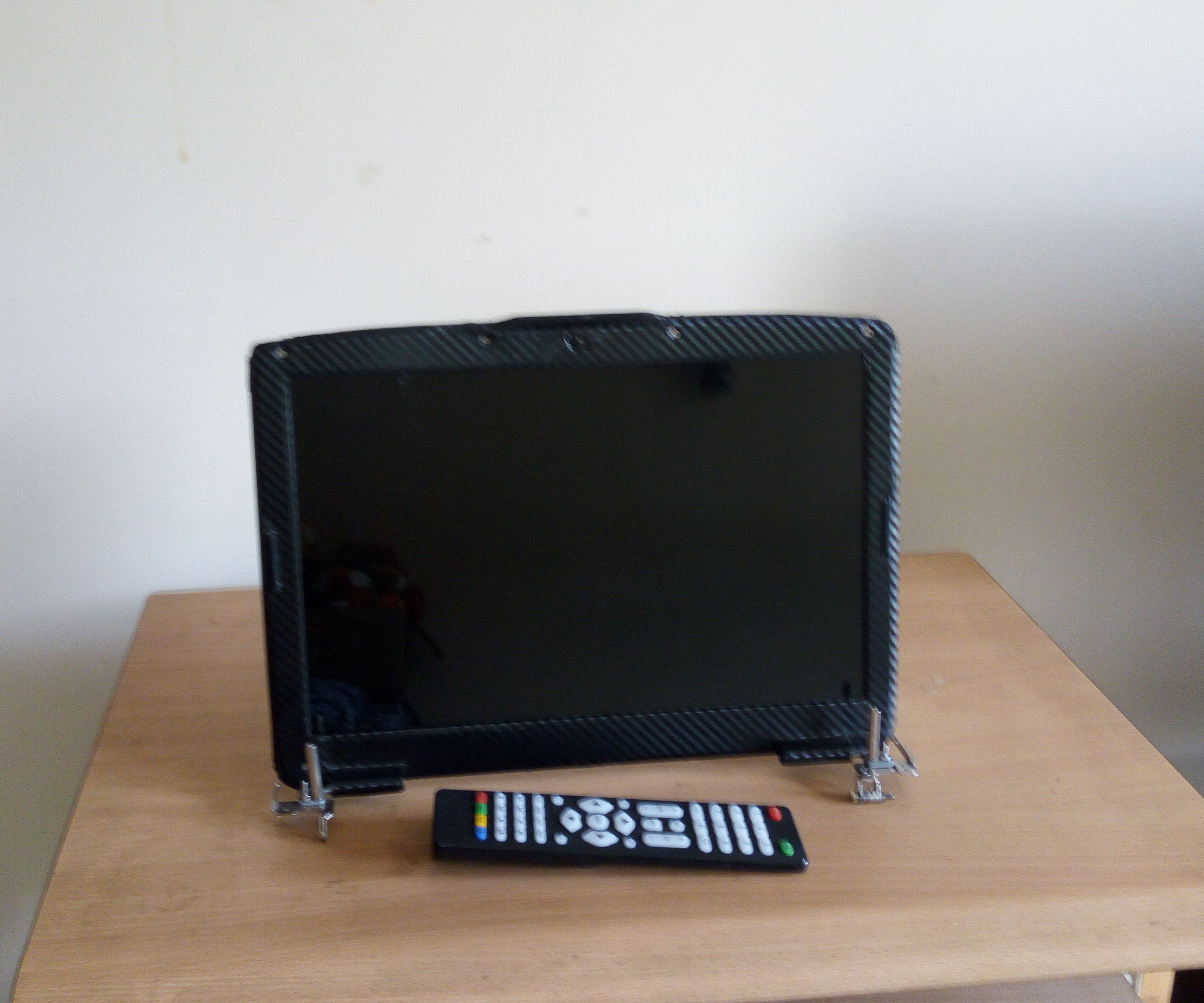 Convert You Laptop LCD to External Monitor