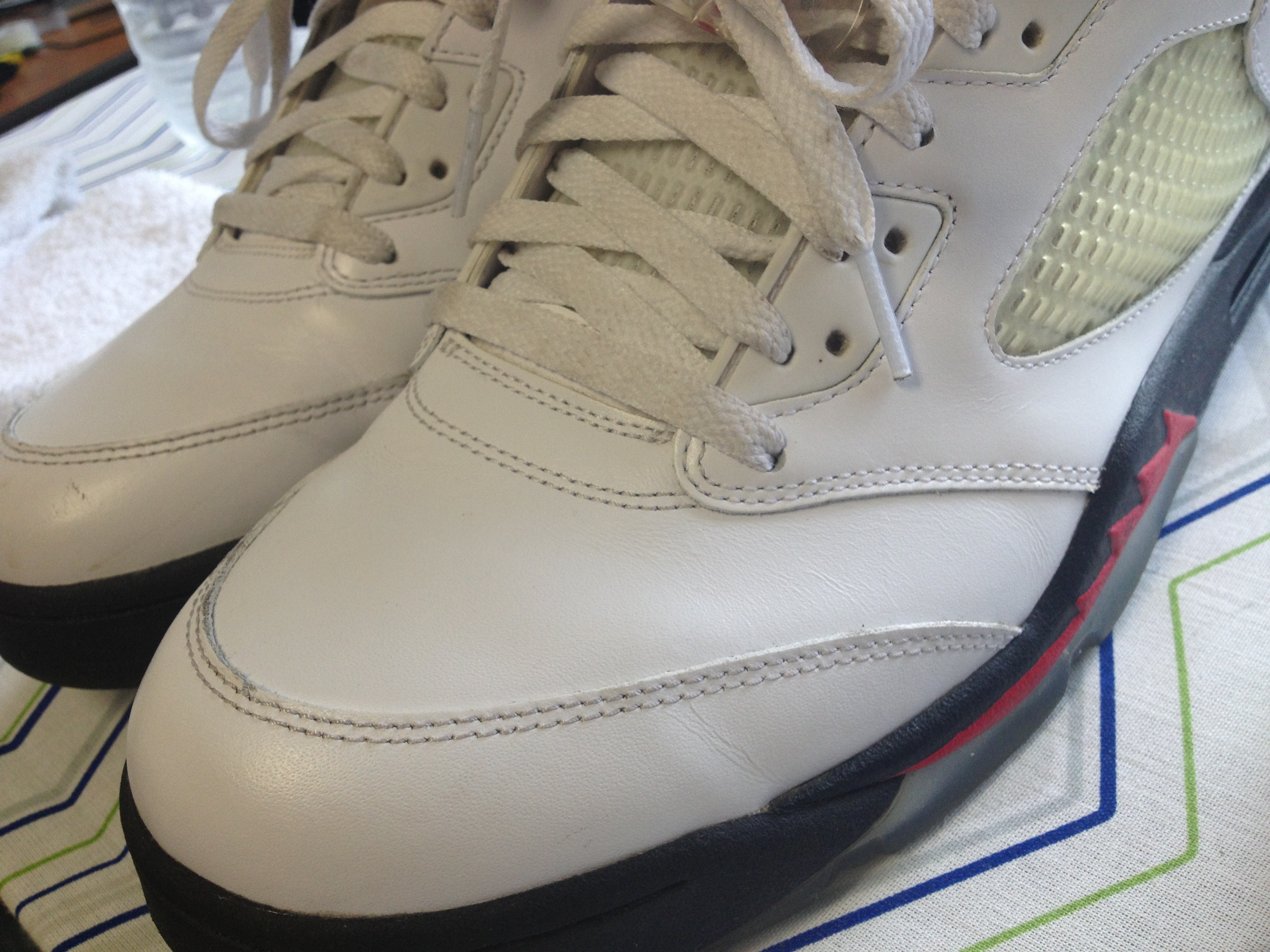 How to Uncrease Your Sneakers!!