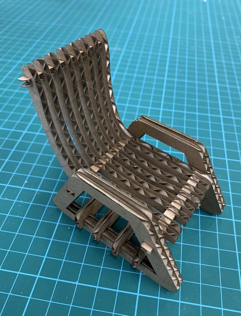 Mini-Cardboard Chair