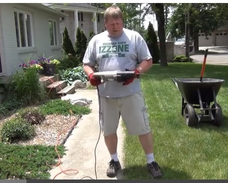 Landscaping tip --- Edging with a Reciprocating Saw