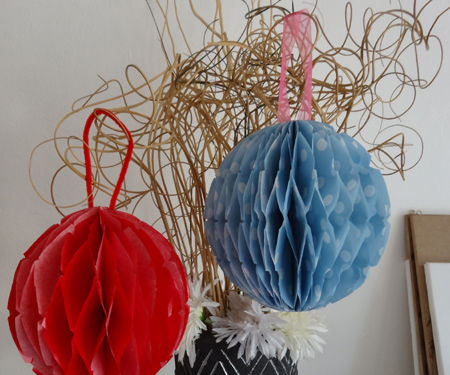 How to make honeycomb garlands