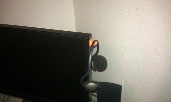 Sugru Monitor Headphones Hook