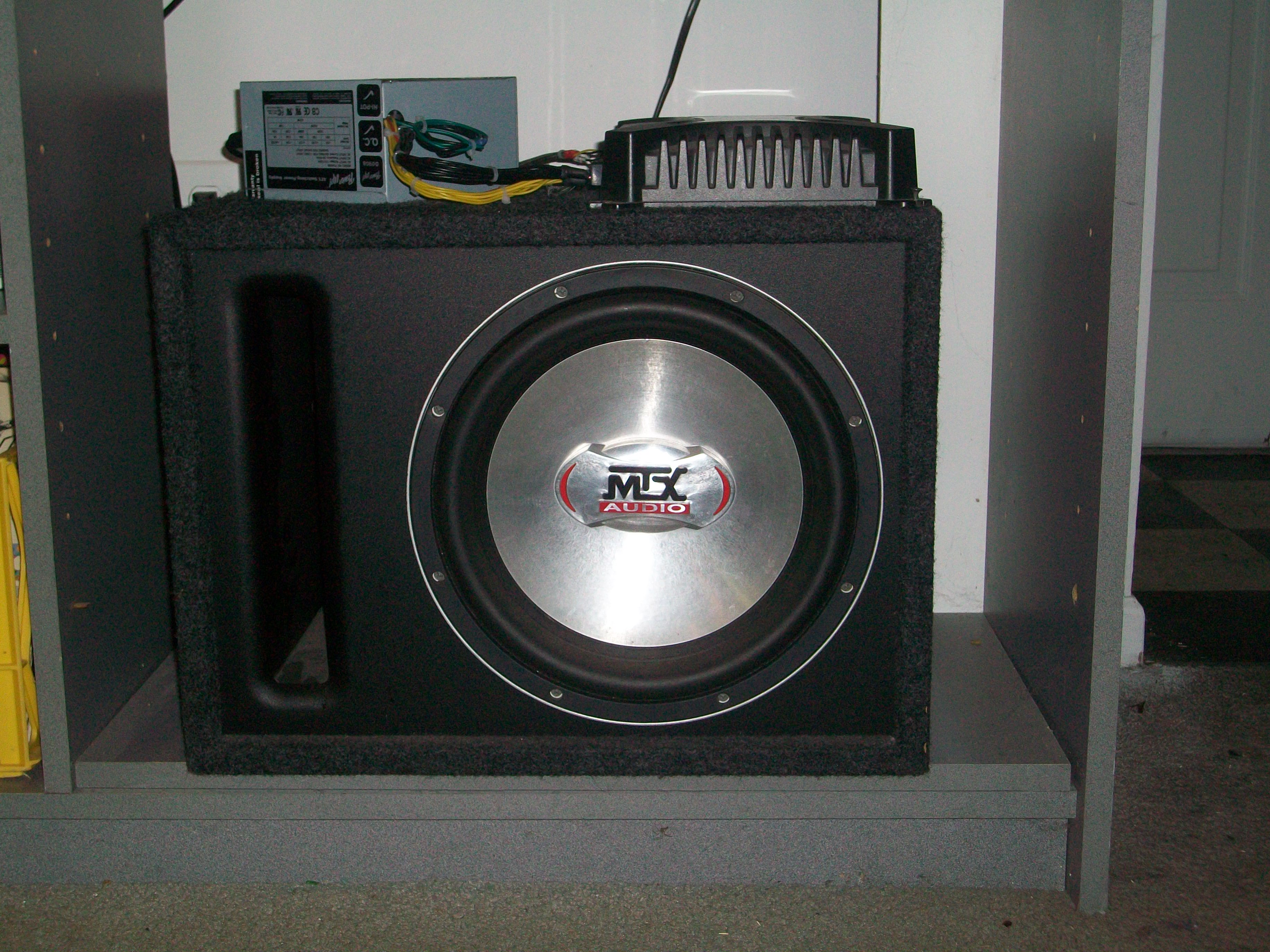 Car Amplifier and Subwoofer Powered By a Computer Power Supply